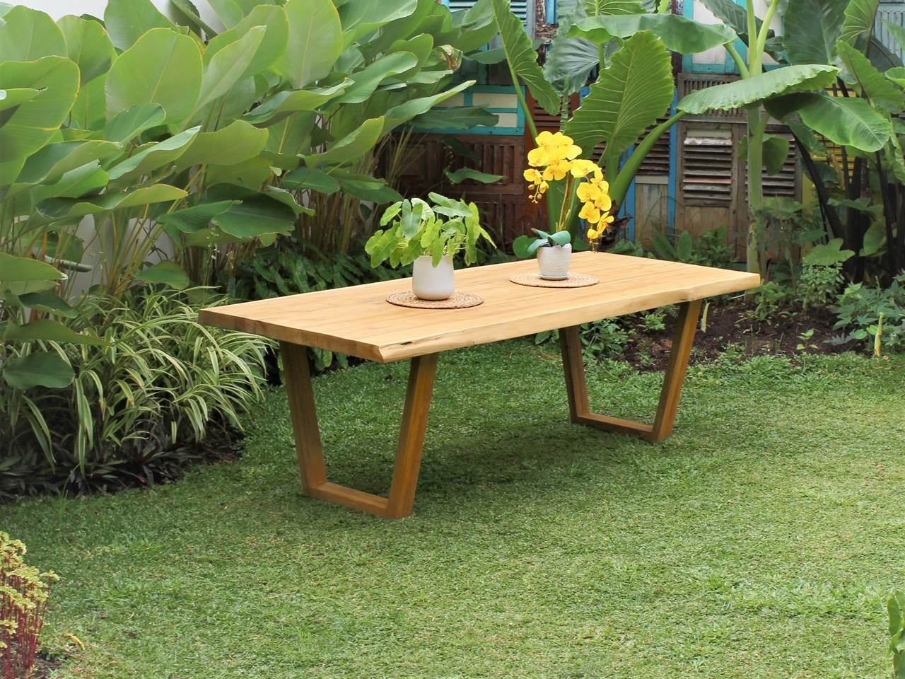 Teak Outdoor Furniture MASSIVE-TECTONA-TABLE