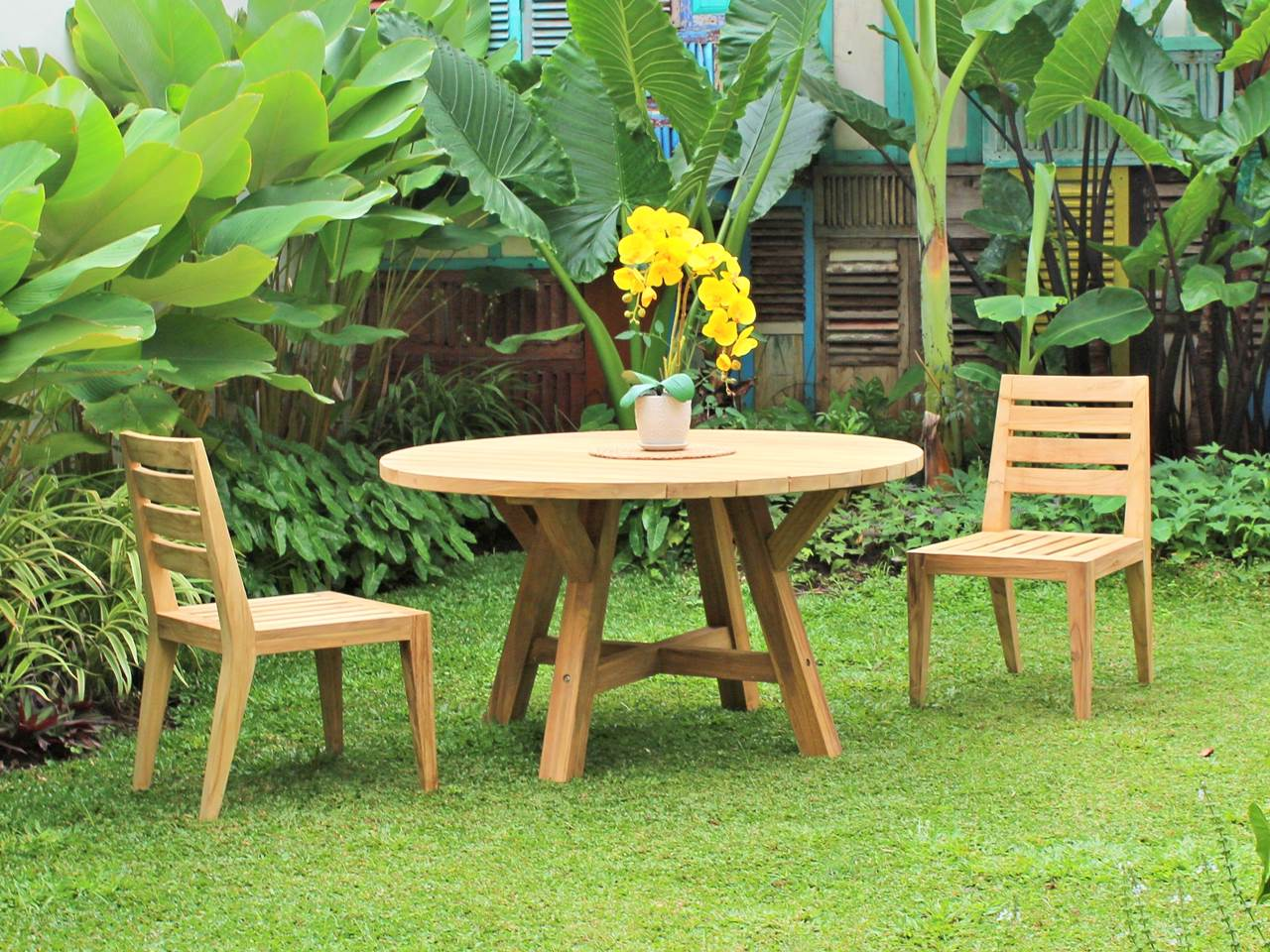 Teak Outdoor Furniture SANDINAVIAN-ROUND-TABLE