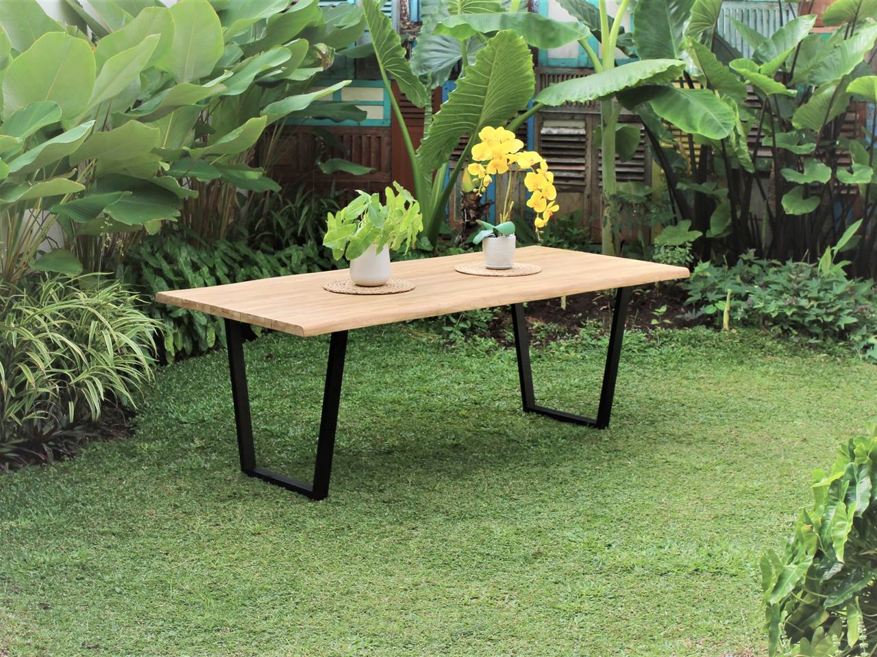 Teak Outdoor Furniture URBAN-LIVE-EDGE
